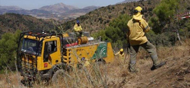 Acuerdo para reconocer la figura de bombero forestal para los trabajadores del Infoca